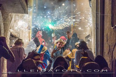 Correfoc de Festa Major a la vila d'Àger (agost 17)